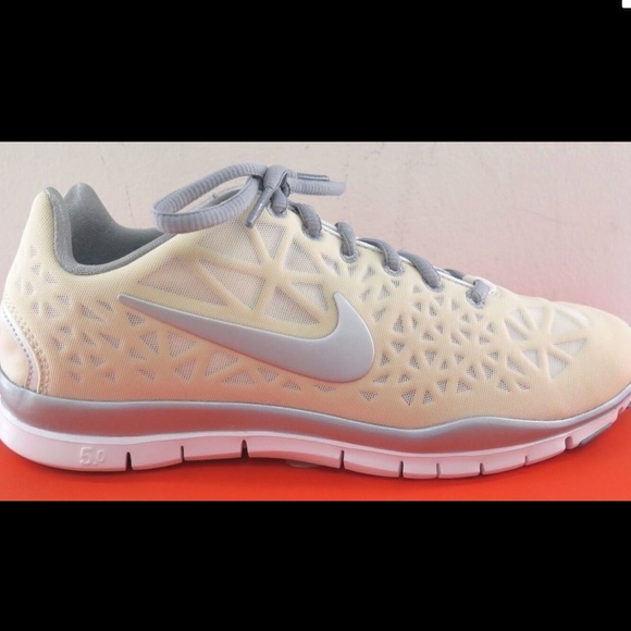 Nike Free TR Fit 3 Womens White Silver Crosstraing